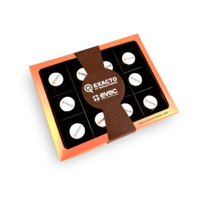 Caja con 12 bombones personalizados. Regalos Empresariales en Quito, Guayaquil y Ecuador