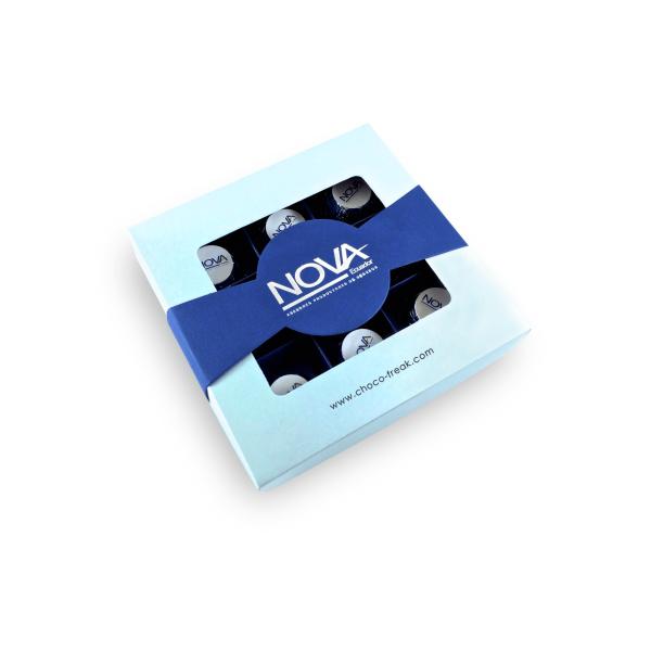 Caja con 9 bombones rellenos personalizados, Regalos Corporativos para todo Ecuador, Quito, Guayaquil Cuenca.