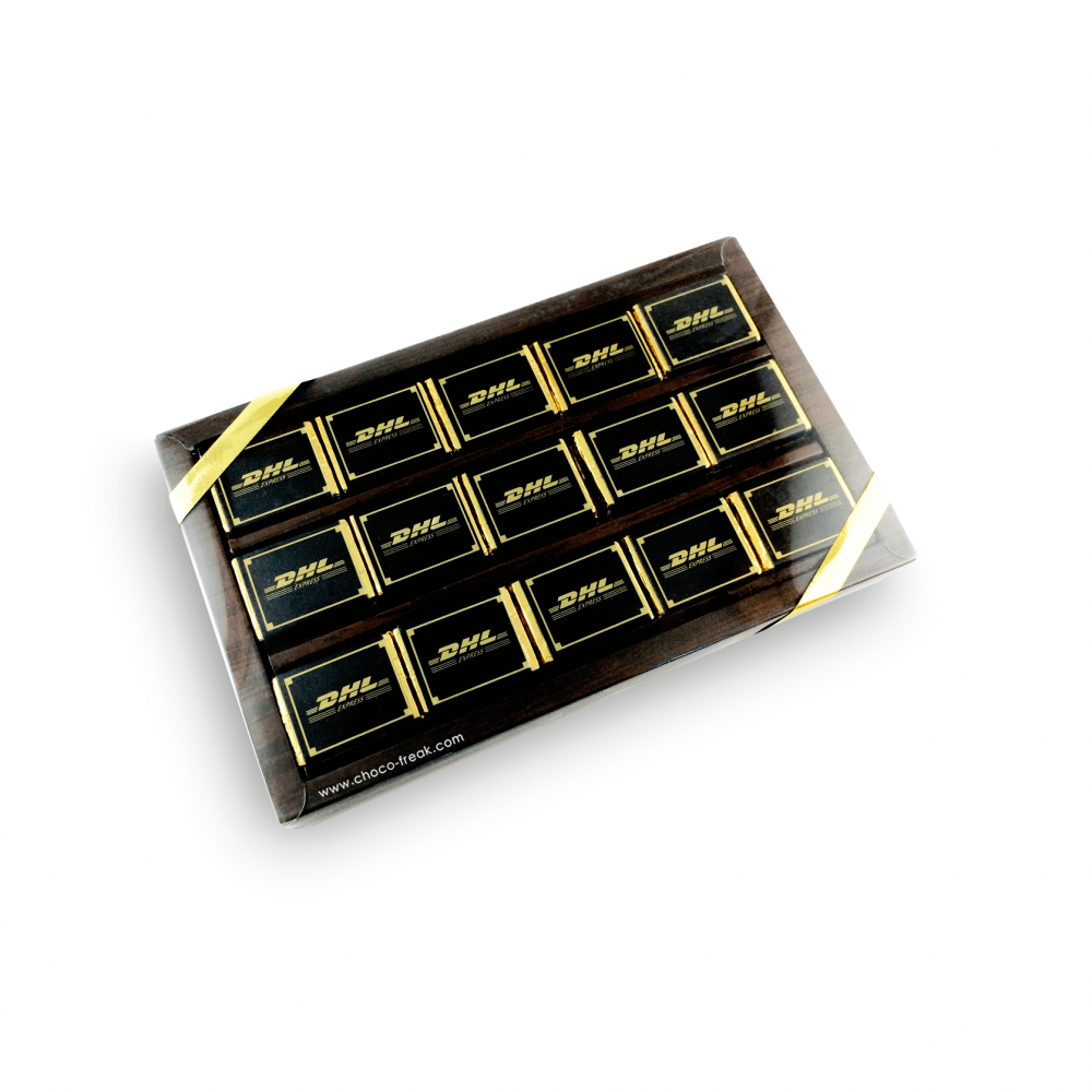 Caja con 15 chocolates personalizados.