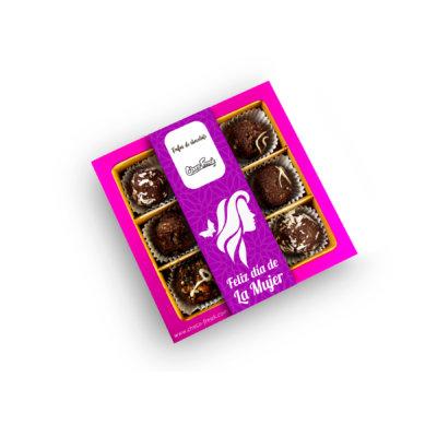 Caja de chocolates por el Día de la Mujer con mix de 9 trufas gourmet de chocolate. Regalos a domicilio en Quito Guayaquil y Ecuador.
