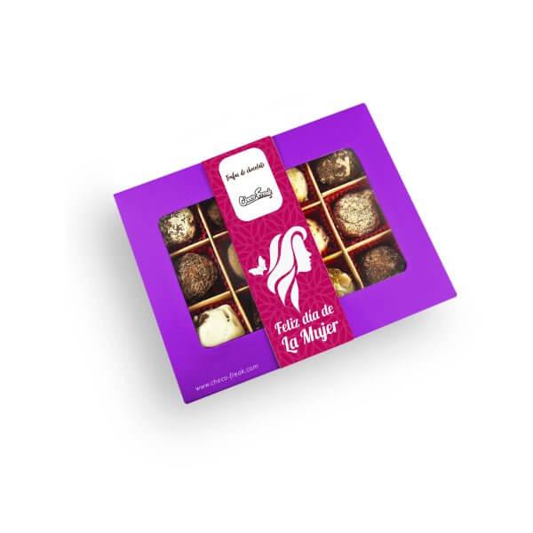 Caja de chocolates por el Día de la Mujer con mix de 12 trufas gourmet de chocolate. Regalos a domicilio en Quito Guayaquil y Ecuador.