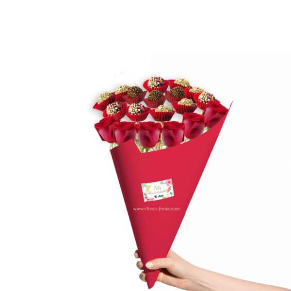 Regalos para novios Quito Guayaquil Ecuador. Bouquet de rosas con chocolates.